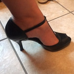 Naturalized patent t strap peep toe heels